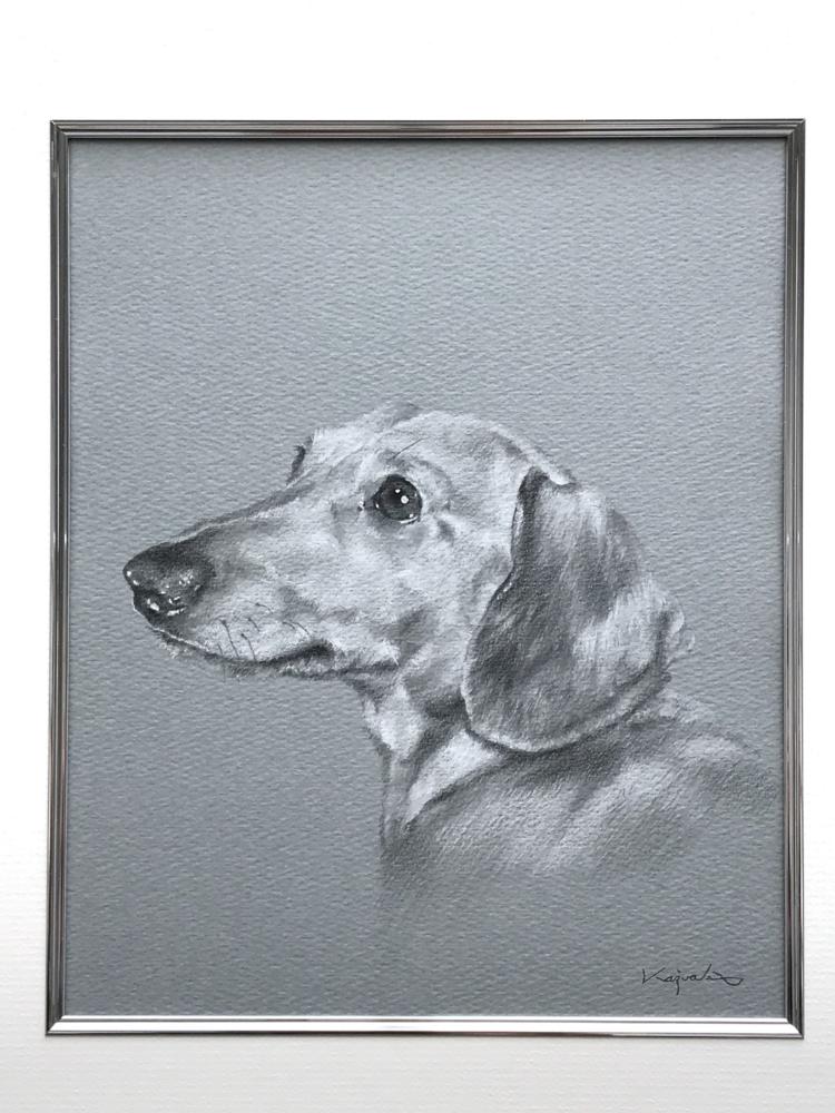 賢い犬「エース」のペットのイラスト(ペット アート)を額装した状態。